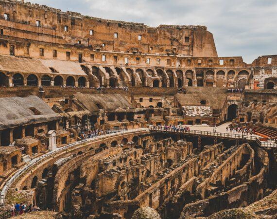 I MIGLIORI INTERPRETI DI ROMA, AL TUO SERVIZIO